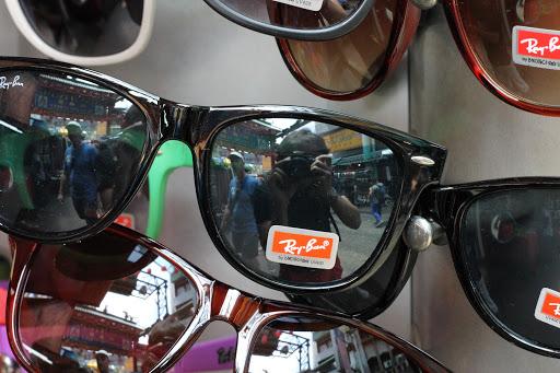 "Kuala Lumpur: Chinatown ou le retour de ""Cheap Price"" et ""I Give You Discount"""