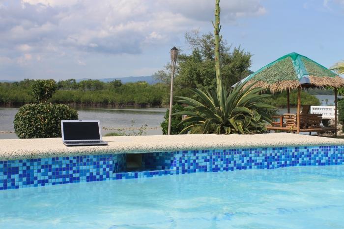 resort-moalboal