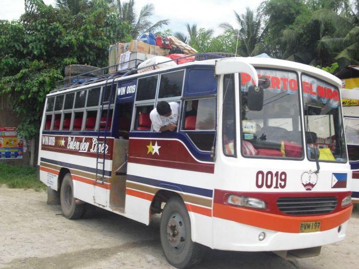2 bus entre palawan et El Nido