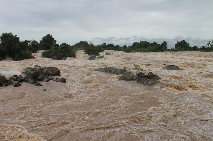 1 chute d'eau sur le mekong