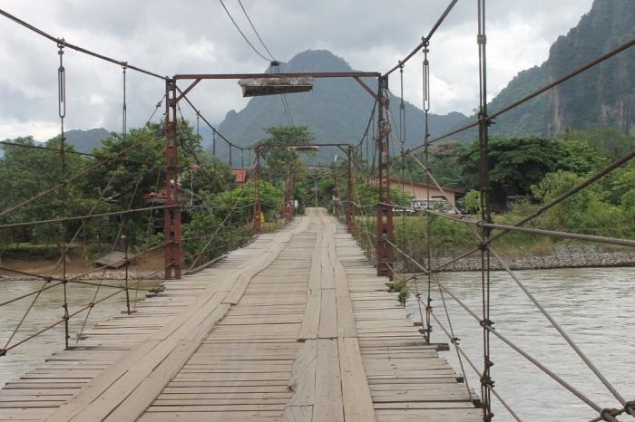 1 Pont Vang Vieng