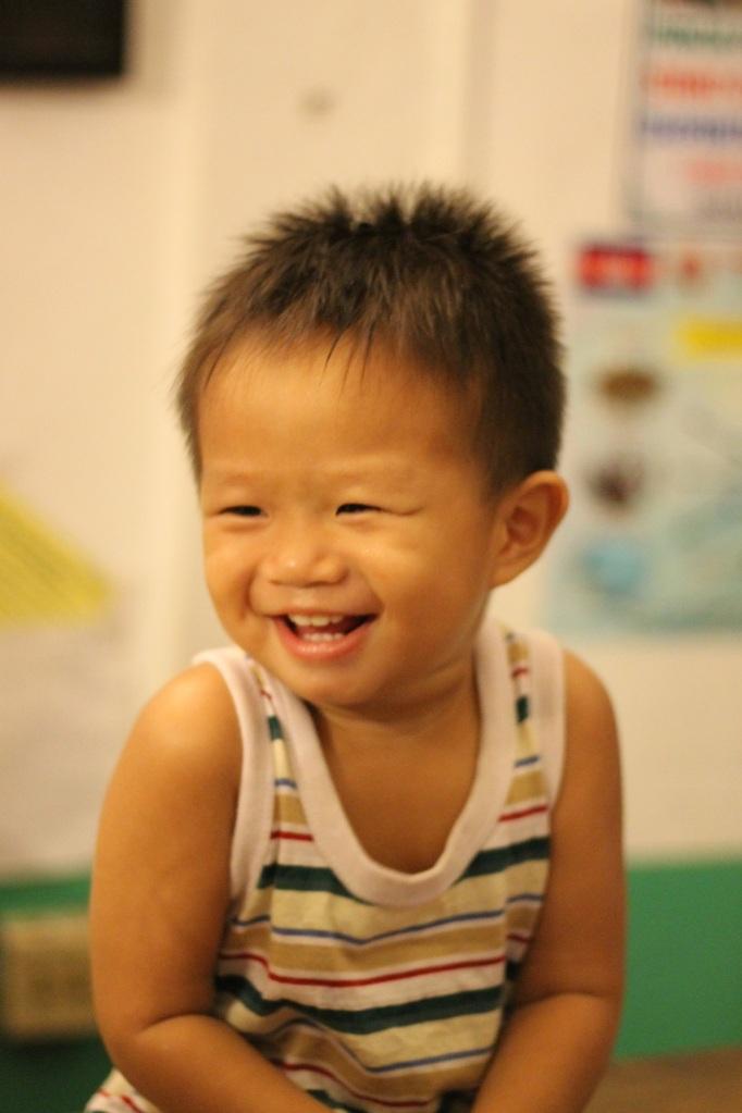 bébé qui rigole à Phnom Penh