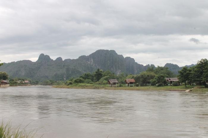 rivière Vang Vieng