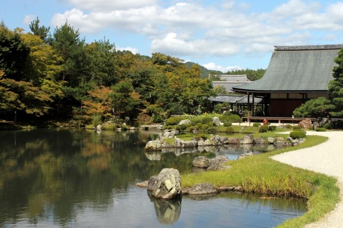 Un temple dans la foret d'Arashiyama à l'ouest de Kyoto