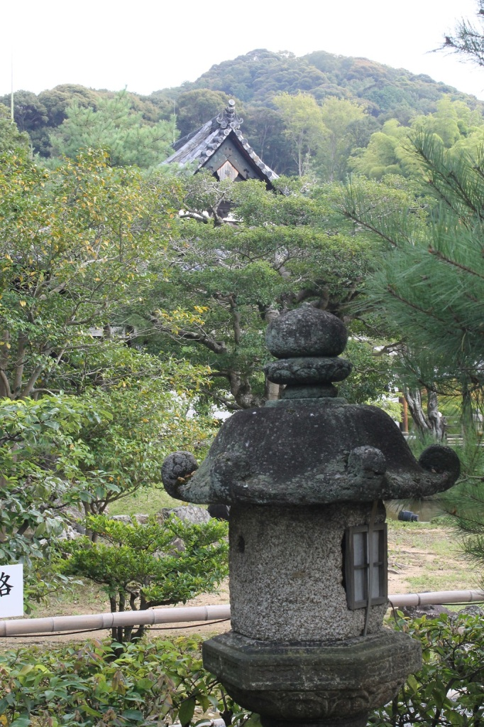 Les jardins du temple de Kodai-Ji à Kyoto un peu après l'entrée