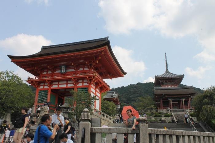 touristes-kiyomizu-dera