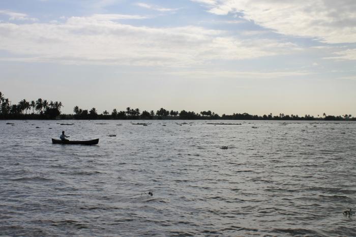 bateau-sur-les-backwaters