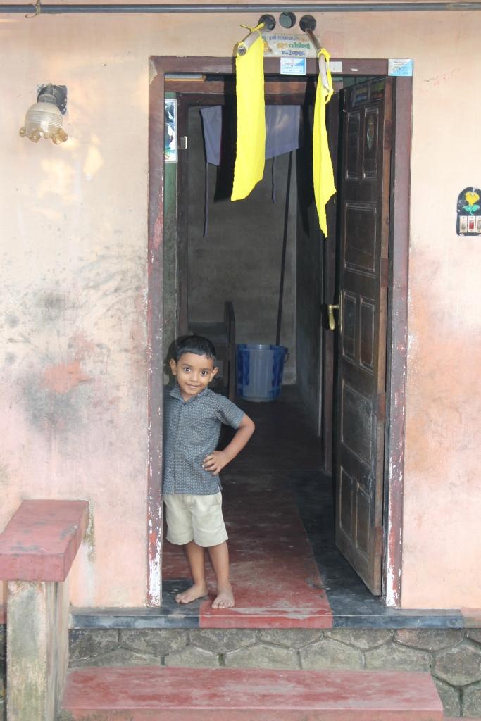 enfant-backwaters-kerala